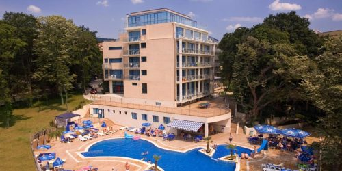 Holiday Park Hotel - travel collection agency