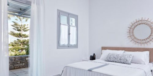 Mr. and Mrs. White Paros travel collection mykonos vacante exotice grecia