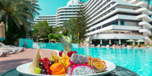 TRAVEL COLLECTION RIXOS DOWN