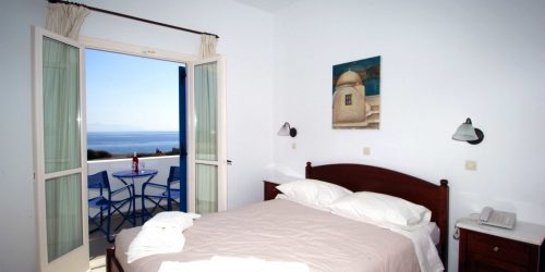 accommodation-blue-bay-villas-room-with-sea-view-1024x683