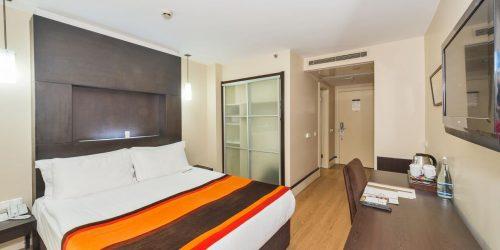 hotel beyaz saray cu mic dejun inclus travel collection constanta hoteluri cu parcare proprie